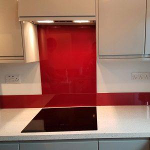 Red kitchen splashbacks - tiles vs splashbacks